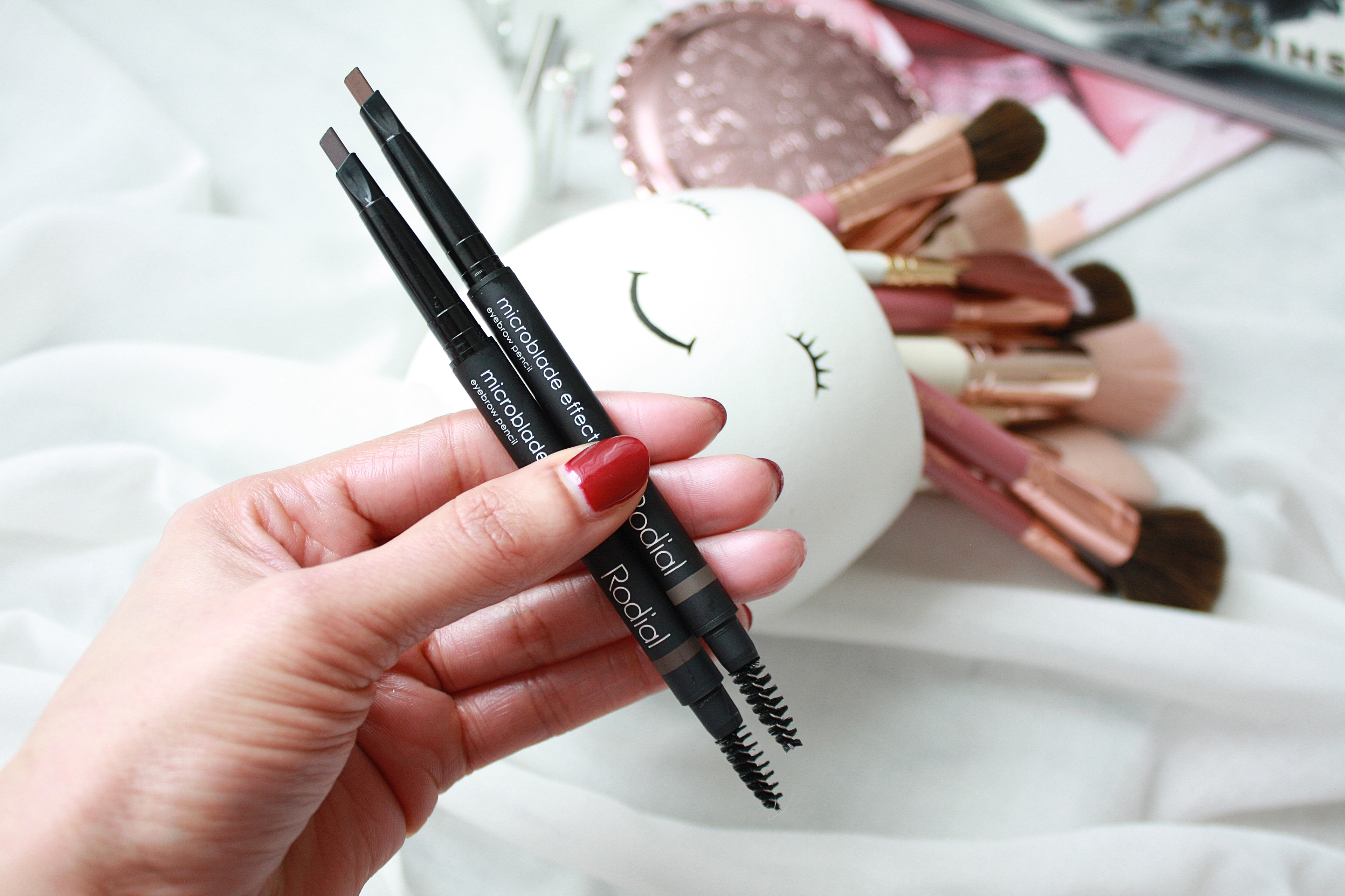 RODIAL MICROBLADE EFFECT EYEBROW PENCIL - FACE TO CURLS